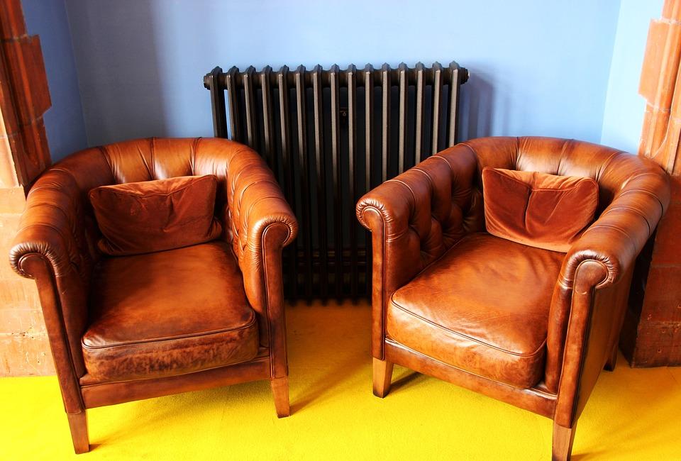 Comment nettoyer un canapé en cuir en quelques étapes ?